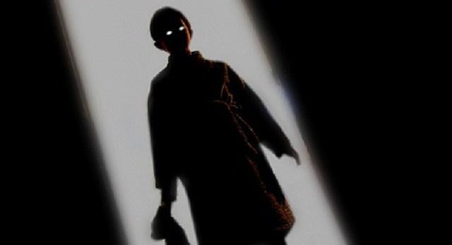 creepy_kid_door2